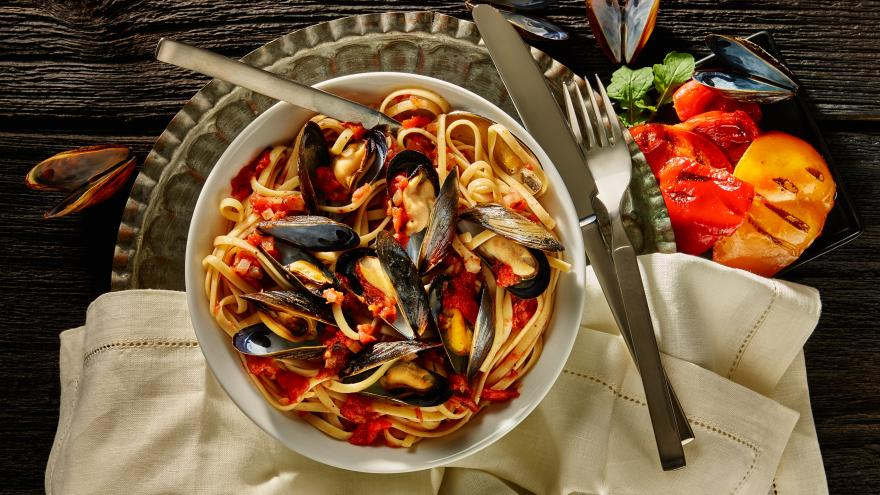 Pasta-Mussel Medley with Red Sauce